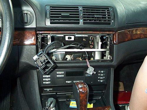 не штатная магнитола BMW 5 e60