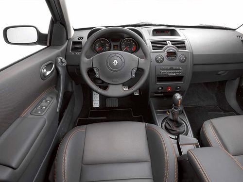 Приборная панель Renault Megane 2