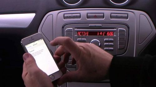 Соединение сотового телефона с автомагнитолой