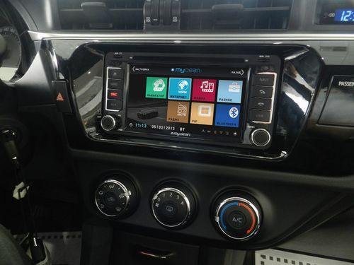 Автомагнитола в машине