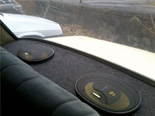 Полка акустическая для автомобиля