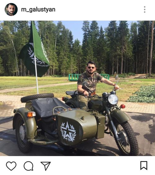 Галустян на боевом мотоцикле